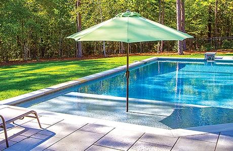 gunite-pool-with-tanning-ledge.jpg