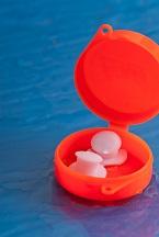 1.custom-swimmer-earplugs-in-case.jpg