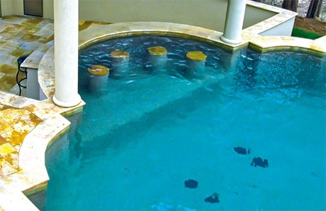 2. Roman-pool-swim-up-bar-1