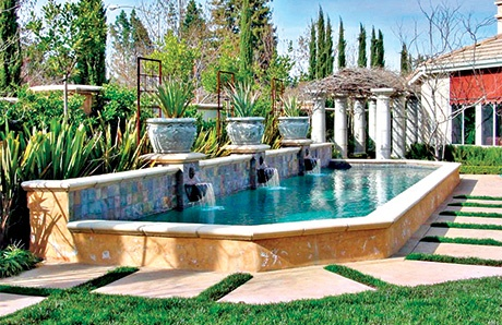 3..Roman-gunite-swimming-pool-with-fountains.jpg