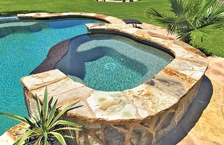 freeform-infinity-spa-with-flagstone-facing.jpg
