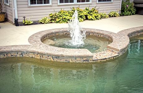 round-spa-with-center-fountain.jpg