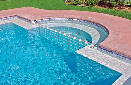 semi-circle-spa-with-glass-block-damwall.jpg