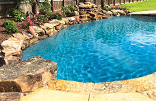 accent-boulders-and jump-rock-on-pool