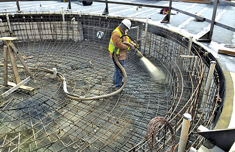 applying-gunite-over-pool-steel.jpg
