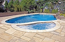 curved-semi-circle-gunite-spa-1.jpg
