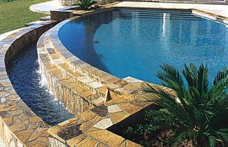 flagstone-coping-on-geometric-pool