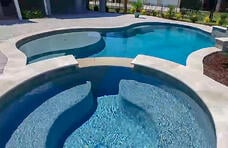 gunite-spa-with-bench-seating