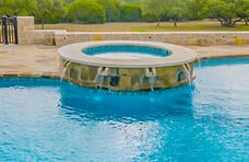 gunite-spa-with-covered-spillways