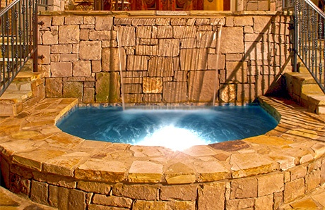 horseshoe-shape-concrete-spa.jpg