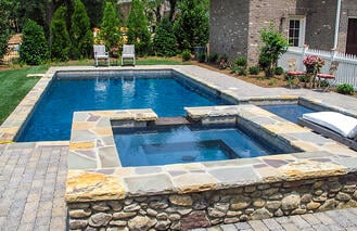 natural-shape-flagstone-pool-coping