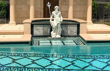 neptune-statue-on-custom-pool