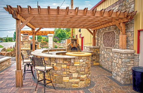 outdoor-kitchen-with-pergola.jpg