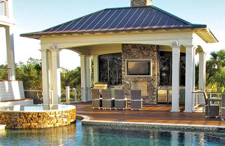 poolside-outdoor-kitchen-with-seating-and-TV-screen.jpg