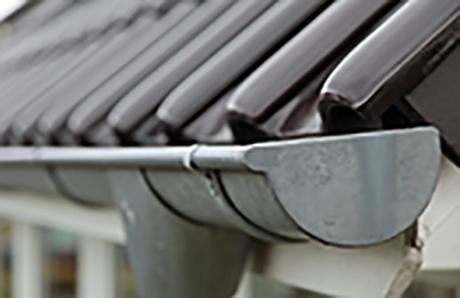 1.rain_gutter_on_roof.jpg