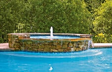 round-spa-with-bubbler-fountain