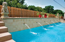 scupper-water-features-on-swimming-pool