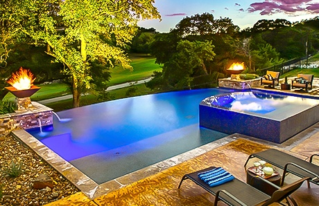 square-fire-bowls-on-infinity-pool