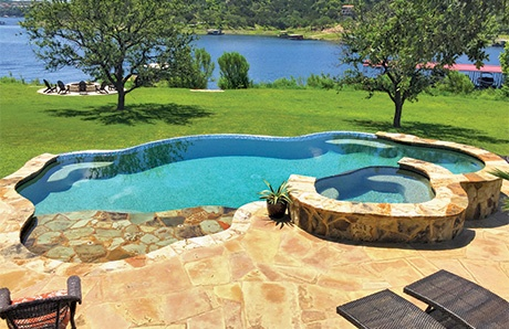 swimming-pool-with-raised-spa