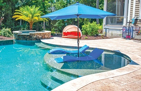 Swimming pool design 3 features to enhance your comfort for Pool design with tanning ledge