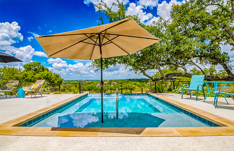umbrella-on-rectangle-pool