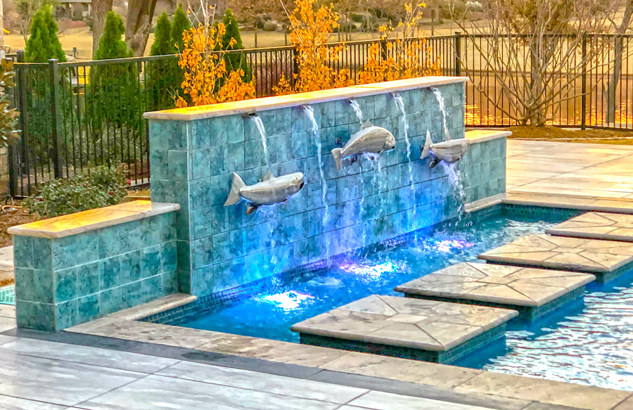 custom-water-feature-on-swimming-pool