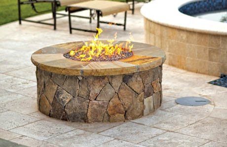 Fire pit with natural gas fire rings