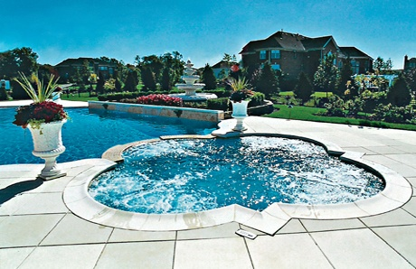 3.-Pool-landscaping-decorative-urn