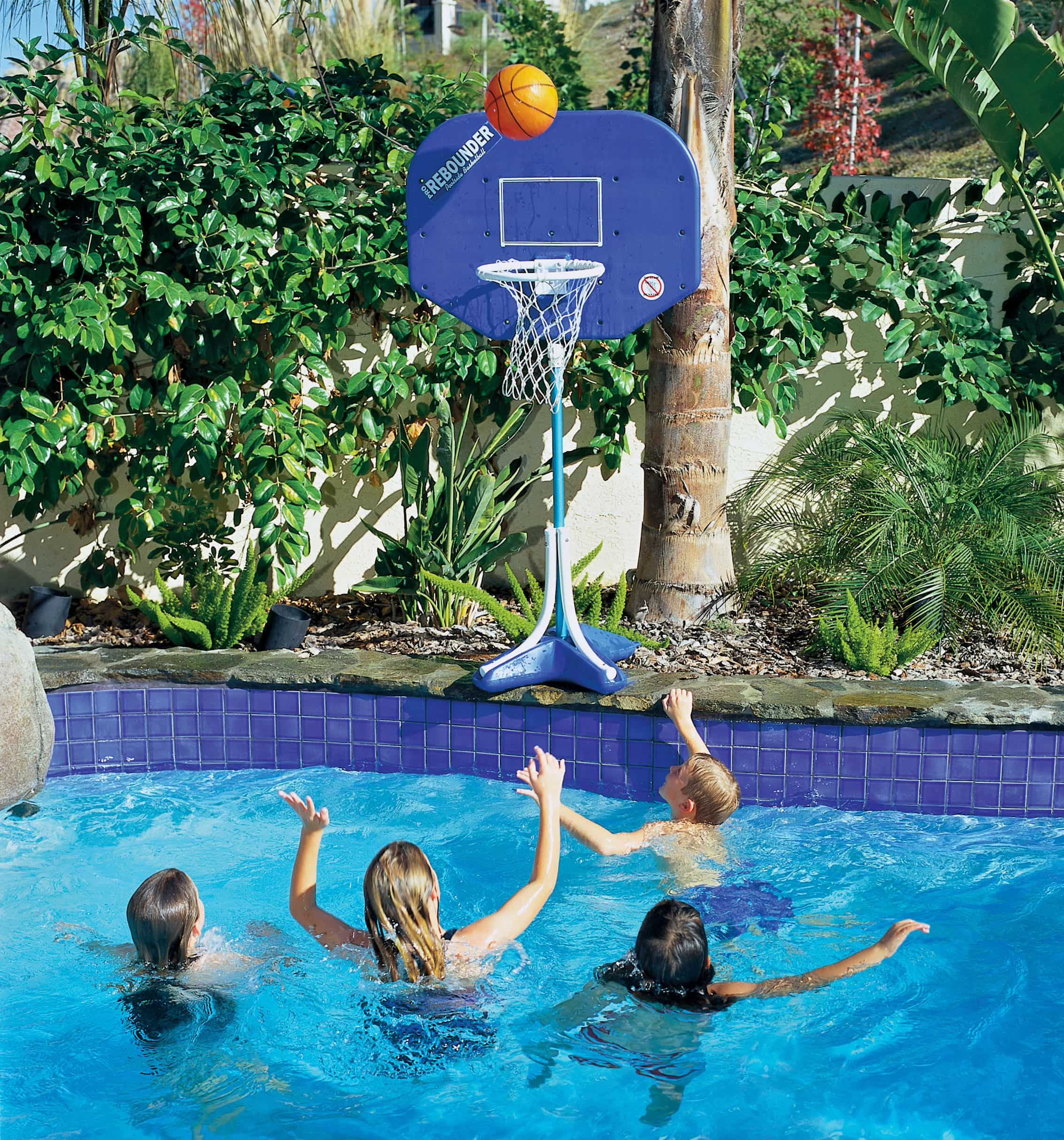 Basketball-Swimming-Pool-Game