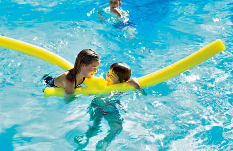 How to prevent swimmer s ear for What causes ear infections from swimming pools