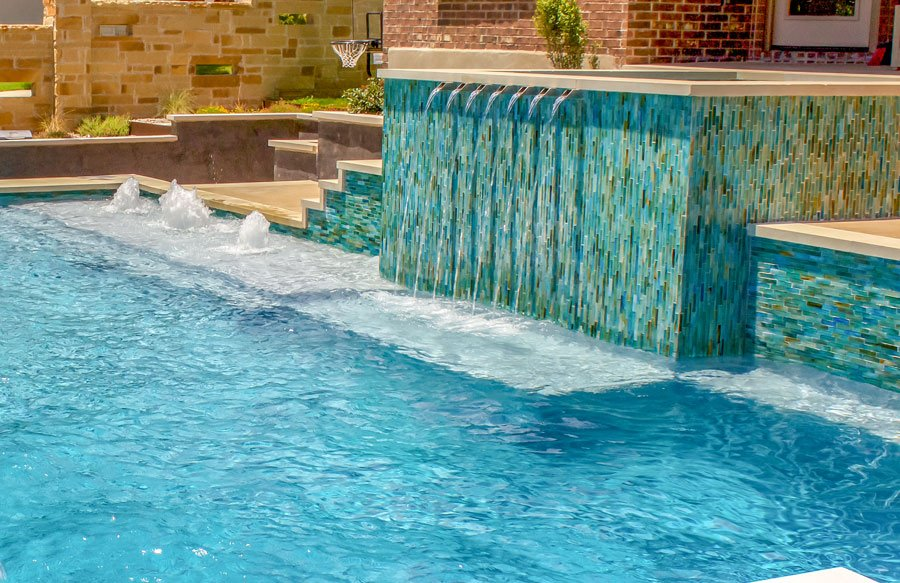 pool-spa-with-water-features