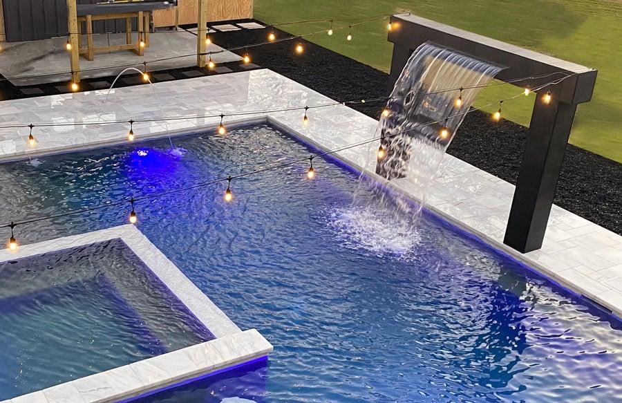 sleek-rain-curtain-on-pool