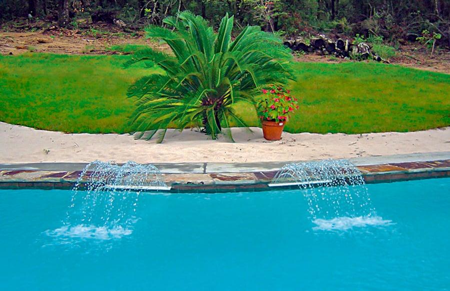 upward-arc-cascades-on-pool